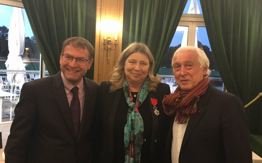 Pr. France Mentré reçoit la légion d'honneur