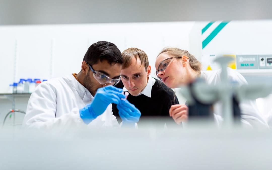 COVID-19 : L'Institut Imagine et Cerba HealthCare signent un accord de partenariat visant à permettre le dépistage des patients susceptibles de développer une forme grave